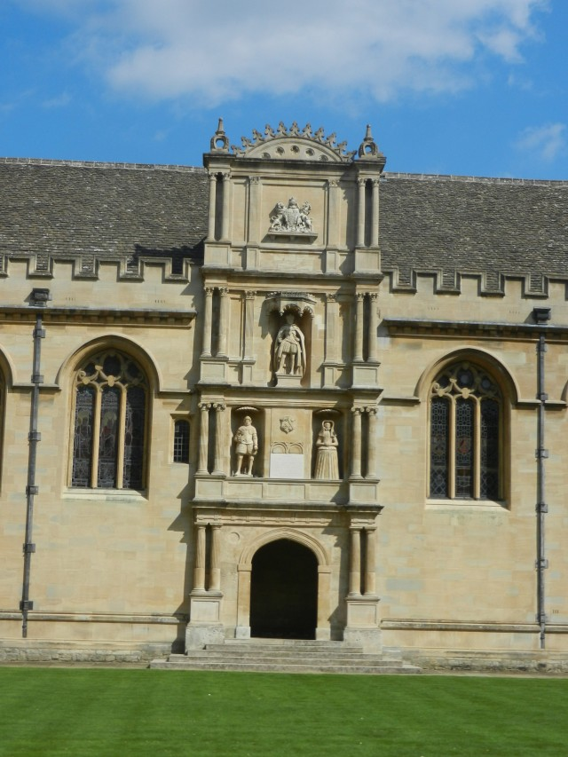 The formidable Wadham College, honoring King James I.